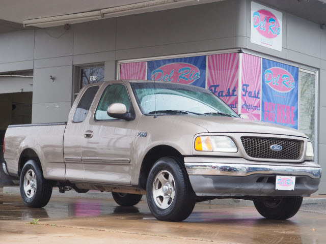 Pre-Owned 2003 Ford F-150 XLT